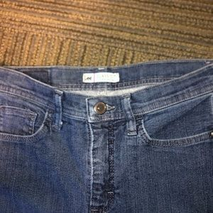 Wide leg blue jeans size 4 , relaxed fit at waist